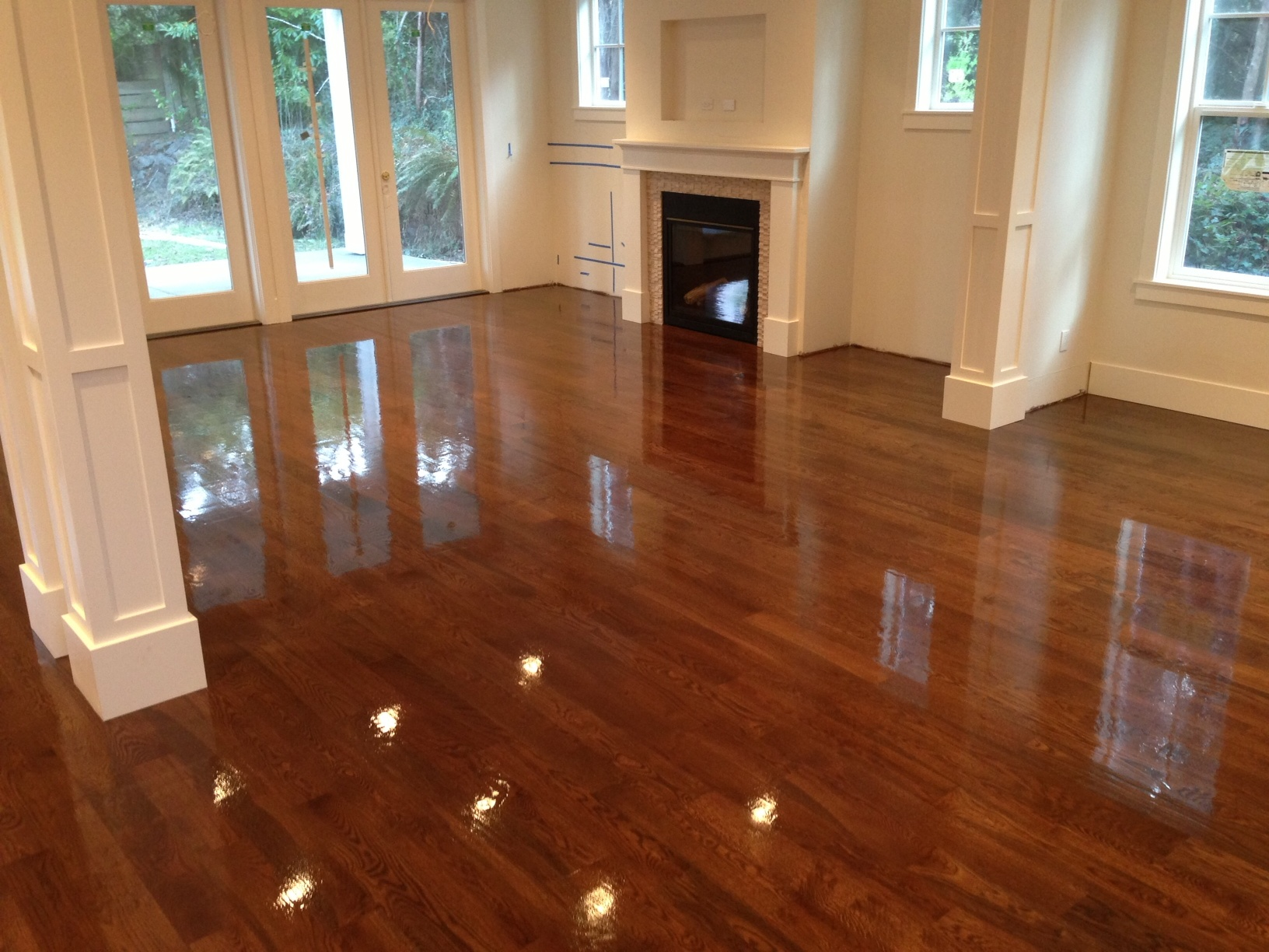 Hardwood floor refinishing niagara hardwood flooring for Staining hardwood floors